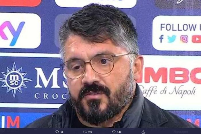 Kondisi mata kanan Gennaro Gattuso setelah menderita penyakit myasthenia.