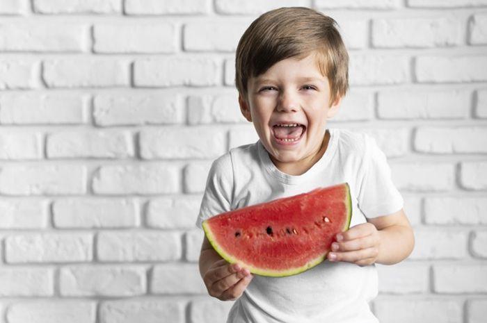 Ragam Manfaat Luar Biasa Semangka Untuk Kesehatan Anak