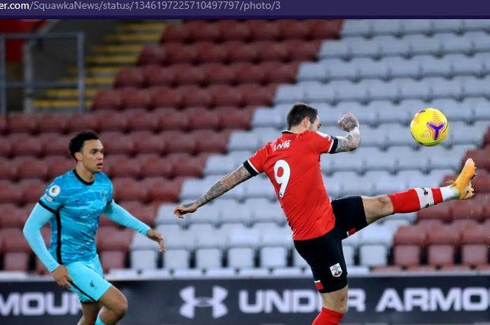 Kiper ketiga Manchester United, Lee Grant, dukung Danny Ings pindah ke Manchester City setelah bangkit dari keterpurukan.
