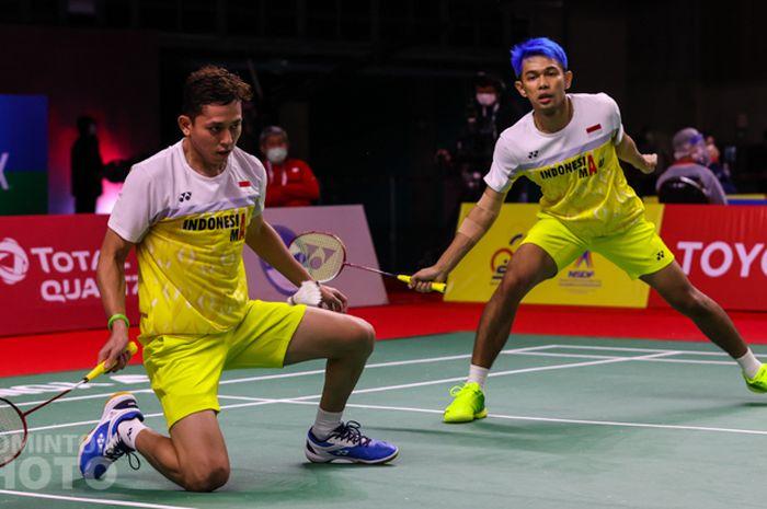 Pasangan ganda putra Indonesia, Fajar Alfian/Muhammad Rian Ardianto, saat menjalani laga babak kesatu Thailand Open I 2021 di Impact Arena, Bangkok, Thailand, Selasa (12/1/2021).