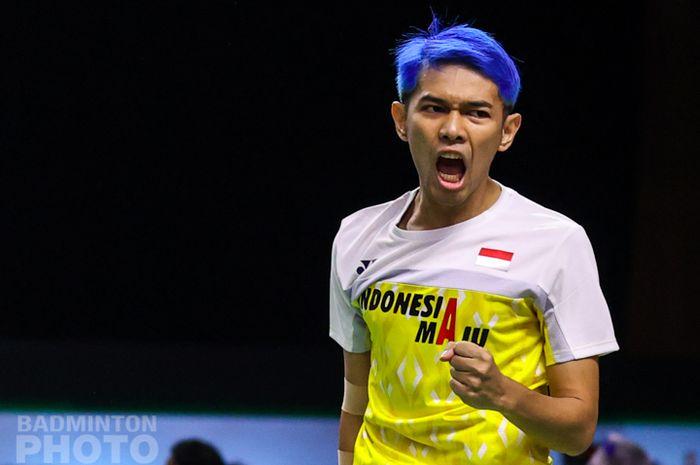 Pebulu tangkis ganda putra, Fajar Alfian, ketika melakoni pertandingan babak pertama Thailand Open I 2021 di Impact Arena, Bangkok, Thailand, 12 Januari 2021.