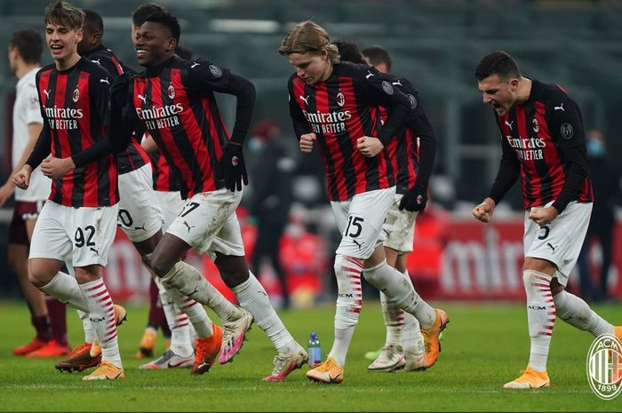 AC Milan sukses melenggang ke babak perempat final Coppa Italia usai menundukkan Torino lewat drama penalti yang berkesudahan 5-4.