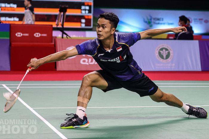 Pebulu tangkis tunggal putra Indonesia, Anthony Sinisuka Ginting, pada babak kedua Thailand Open I 2021 di Impact Arena, Bangkok, Kamis (14/1/2021).