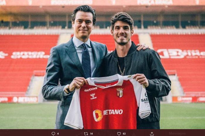 Pemain pinjaman abadi Chelsea, Lucas Piazon, telah resmi bergabung dengan klub asal Portugal, SC Braga.
