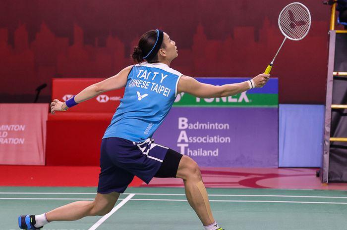 Pebulu tangkis Taiwan, Tai Tzu Ying, saat tampil pada babak kedua Thailand Open I 2021, Kamis (14/1/2021)