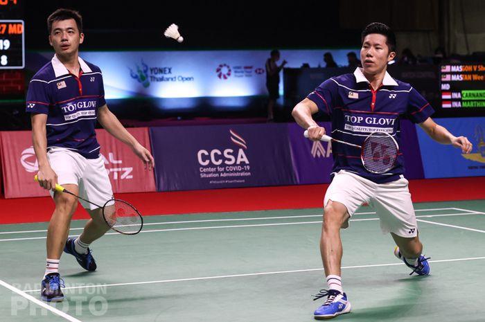 Pasangan ganda putra Malaysia, Goh V Shem/Tan Wee Kiong, pada babak semifinal Thailand Open I 2021 di Impact Arena, Bangkok, Sabtu (16/1/2021).