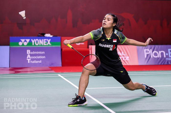Aksi pebulu tangkis tunggal putri Indonesia, Gregoria Mariska Tunjung, pada babak pertama Thailand Open I 2021 di Impact Arena, Bangkok, Thailand, 12 Januari 2021.