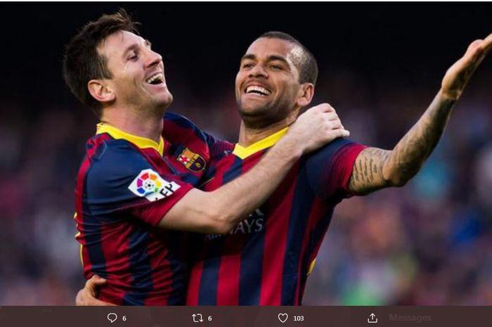 Lionel Messi dan Dani Alves saat membela Barcelona.
