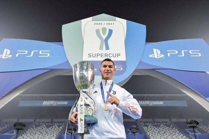 Eks penyerang AC Milan, George Weah, menilai Cristiano Ronaldo belum layak direken sebagai pesepakbola terbaik di dunia meski sudah menyandang status yang tertajam.