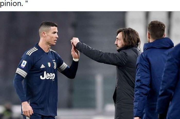 Megabintang Juventus, Cristiano Ronaldo, bersalaman dengan pelatih Andrea Pirlo.