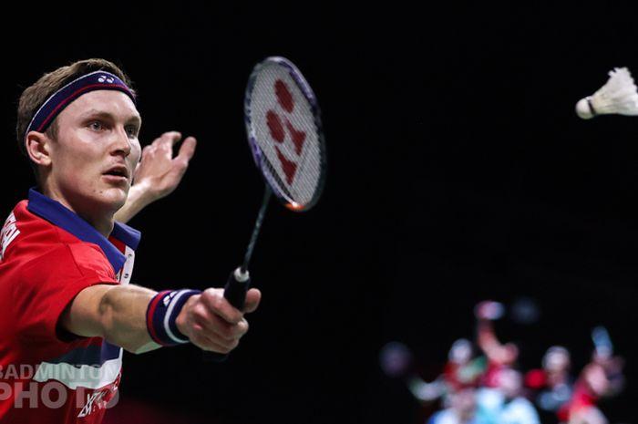 Pebulu tangkis tunggal putra Denmark, Viktor Axelsen, saat menjalani pertandingan semifinal Thailand Open II 2021 di Impact Arena, Bangkok, Thailand, Sabtu (23/1/2021).