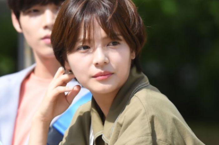 Bintang drama School 2017 Song Yoo Jung meninggal dunia karena bunuh diri.
