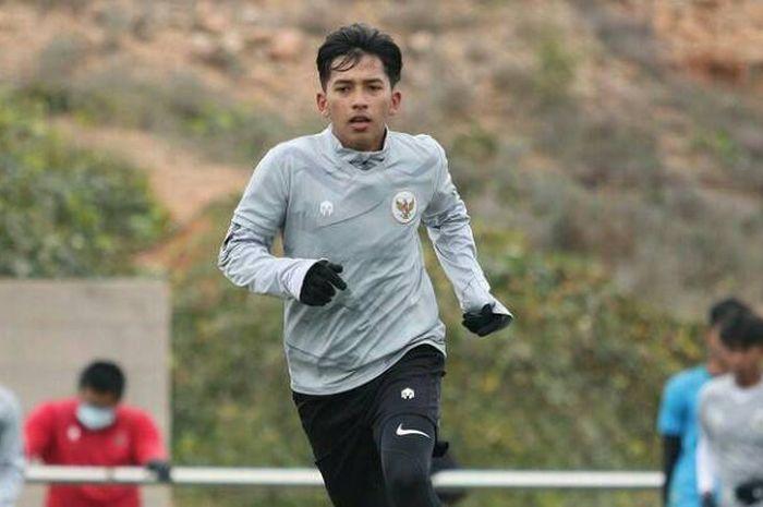Wonderkid Borneo FC, Arya Gerryan Putra Senyiur Lawolo, saat menjalani TC bersama timnas U-19 Indonesia di Spanyol.