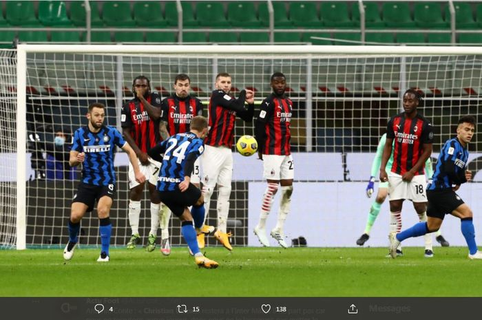 Christian Eriksen mencetak gol tendangan bebas dalam duel Coppa Italia antara Inter Milan vs AC Milan di Giuseppe Meazza, 26 Januari 2021.
