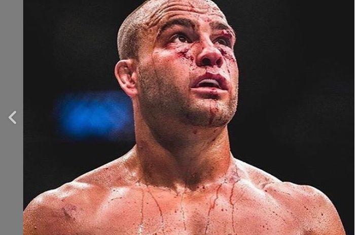 Eddie Alvarez mengunggah foto saat dirinya masih berkompetisi di ajang UFC