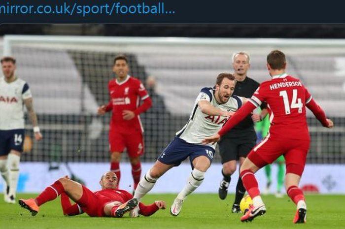 Thiago Alcantara melanggar keras Harry Kane dalam partai Tottenham Hotspur vs Liverpool di Liga Inggris, 28 Januari 2021.