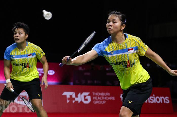 Pasangan ganda putri Indonesia, Greysia Polii/Apriyani Rahayu, saat menjalani laga penyisihan kedua Grup B BWF World Tour Finals 2020 di Impact Arena, Bangkok, Thailand, Kamis (28/1/2021).