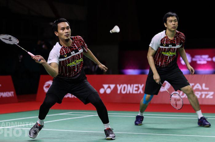 Pasangan ganda putra Indonesia, Mohammad Ahsan/Hendra Setiawan, pada laga terakhir penyisihan Grup B BWF World Tour Finals 2020 di Impact Arena, Bangkok, Jumat (29/1/2021).