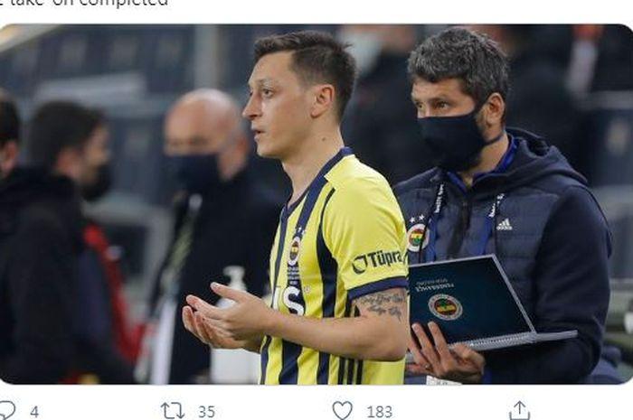 Mesut Oezil menjalani laga kedua bersama Fenerbahce menghadapi Galatasaray pada Sabtu (6/2/2021).