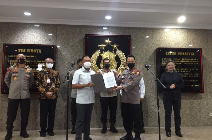 Menpora Zainudin Amali bersama Kapolri  Listyo Sigit Prabowo