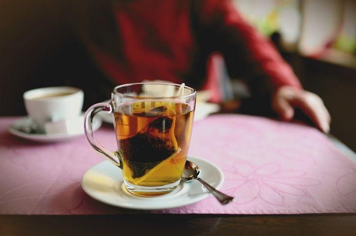 Kebiasaan minum teh setelah makan rupanya sebaiknya dihindari.