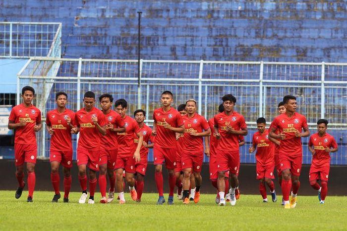 Arema FC menggelar latihan perdana di Stadion Kanjuruhan Kepanjen, Kabupaten Malang, Senin (22/02/2021) sore.