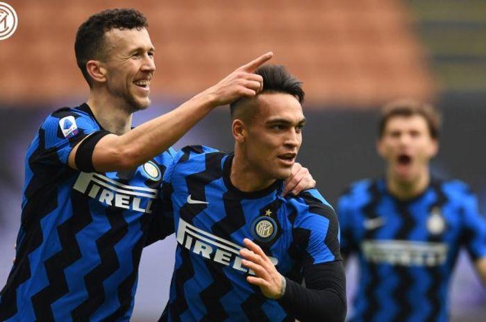 Striker Inter Milan, Lautaro Martinez (tengah)