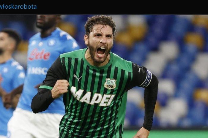 Gelandang bertahan Sassuolo. Manuel Locatelli dikabarkan menjadi incaran Juventus dan Manchester City.