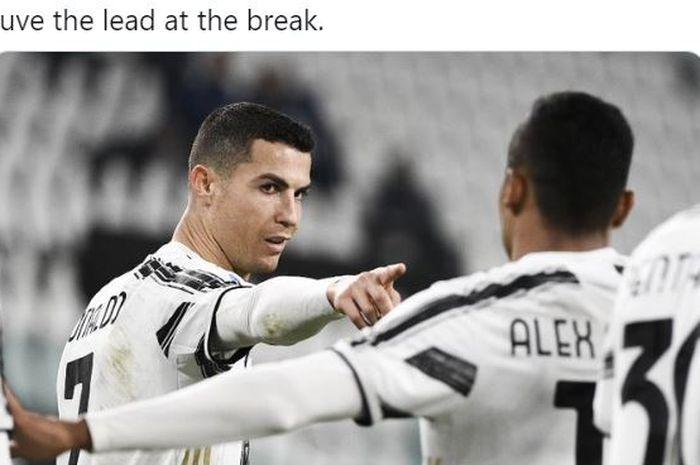 Megabintang Juventus, Cristiano Ronaldo, merayakan gol yang dicetak ke gawang Crotone dalam laga Liga Italia di Stadion Allianz, Senin (22/2/2021).