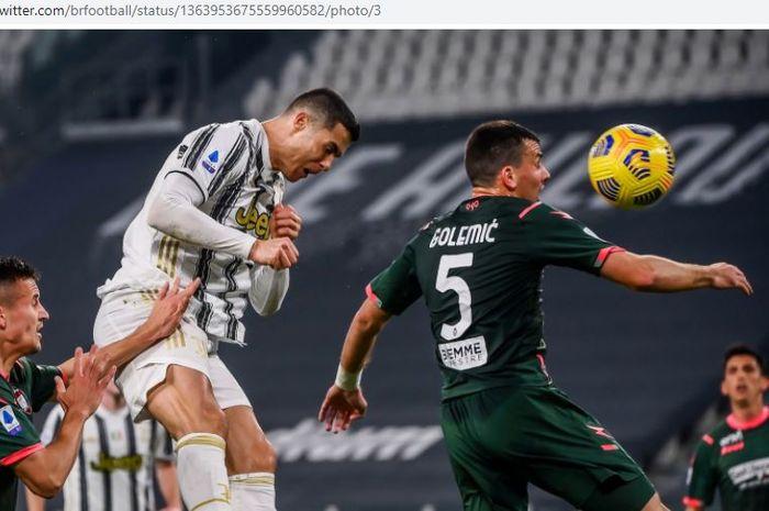 Cristiano Ronaldo mencetak gol sundulan sambil merem, Juventus meroket 3 posisi di klasemen Liga Italia.