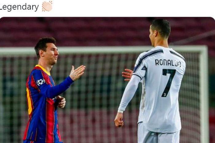 Megabintang Barcelona, Lionel Messi, hendak berjabat tangan dengan megabintang Juventus, Cristiano Ronaldo.