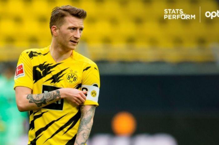 Kapten Borussia Dortmund, Marco Reus, membuktikan kesetiaannya bersama tim ketika memainkan laga ke-300 kontra Borussia Moenchengladbach.