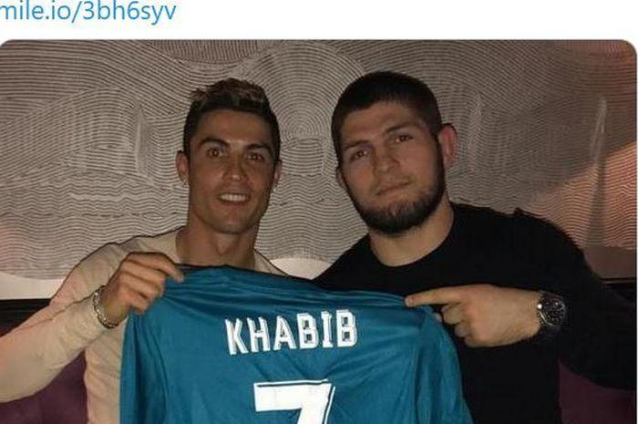 Khabib Nurmagomedov ungkap isi curhatan sang sahabat, Cristiano Ronaldo.