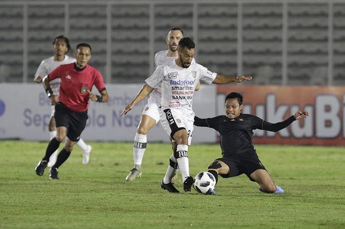 Timnas U-22 Indonesia vs Bali United di Stadion Madya, Jakarta, Minggu (7/3/2021).