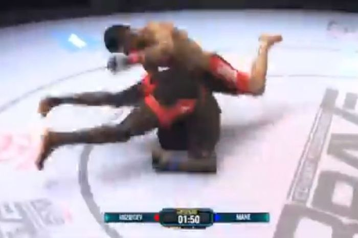 Momen KO gila bantingan Nursulton Ruziboev pada duel MMA ajang Brave CF 47.