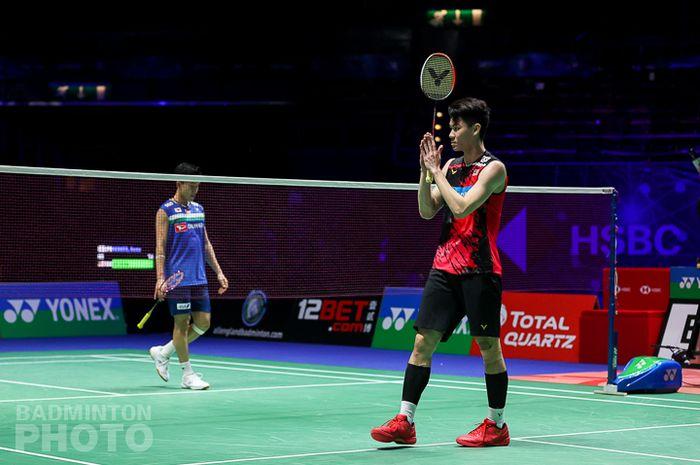 Selebrasi Lee Zii Jia usai mengalahkan Kento Momota pada perempat final All England Open 2021, Jumat (19/3/2021)