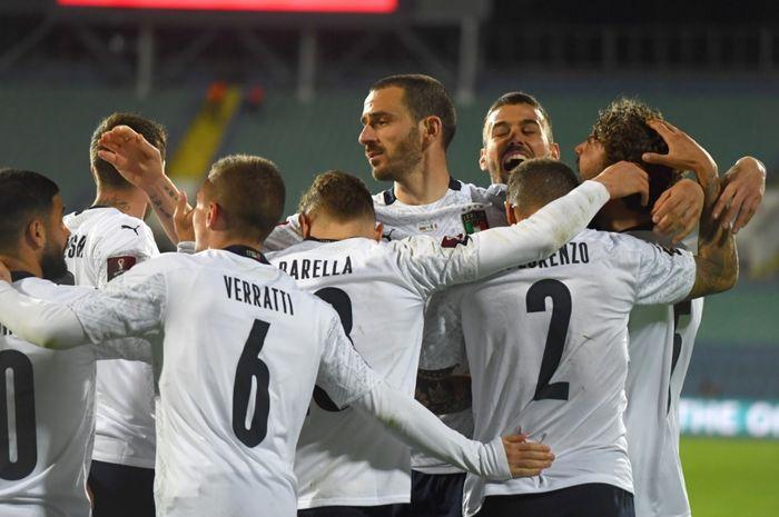 Timnas Italia saat sukses meraih kemenangan 2-0 atas Bulgaria dalam lanjutan Kualifikasi Piala Dunia 2022.