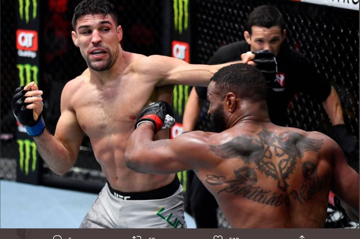 Vicente Luque saat menghadapi Tyron Woodley di UFC 260, Minggu (28/3/2021) WIB di Las Vegas.