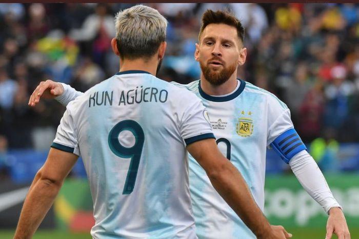 Momen kebersamaan Sergio Aguero dan Lionel Messi kala membela timnas Argentina.