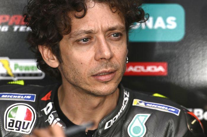 Valentino Rossi akan memulai balapan MotoGP Doha di sirkuit Losail dari starting grid ke-21.