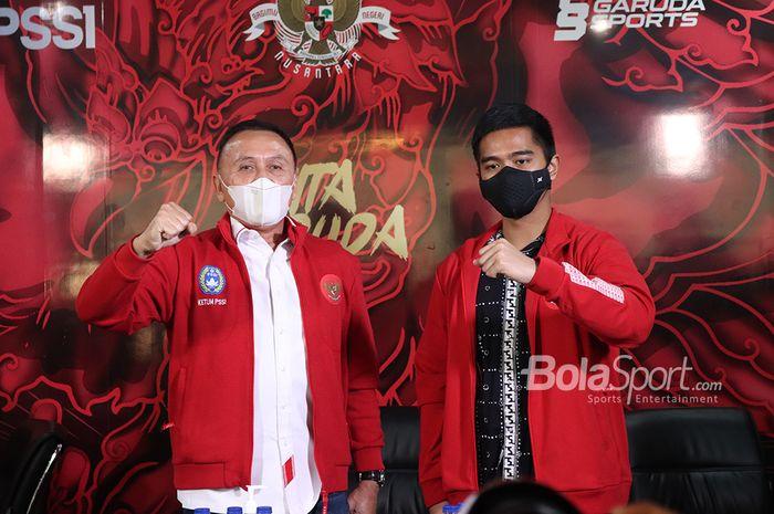 Ketua Umum PSSI, Mochamad Iriawan (kiri) dan Direktur Utama Persis Solo, Kaesang Pangarep (kanan)