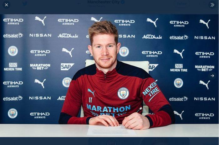 Pemain Manchester City, Kevin De Bruyne, resmi memperpanjang kontrak hingga 2025.