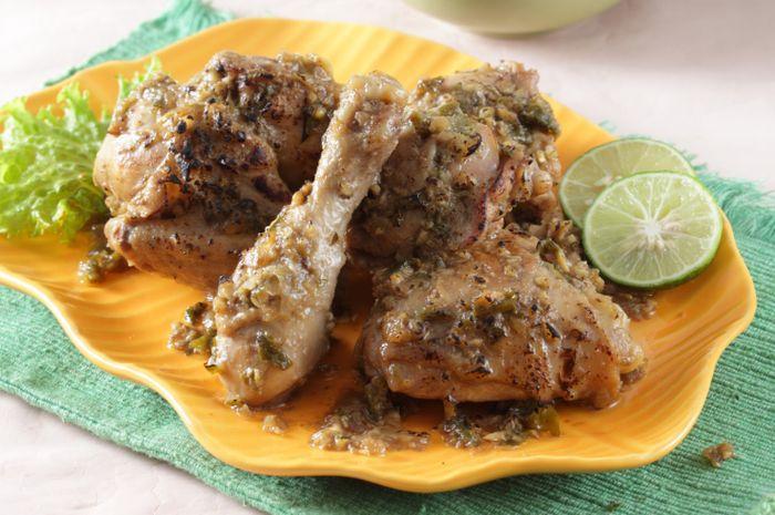 Ayam panggang bumbu cabai hijau