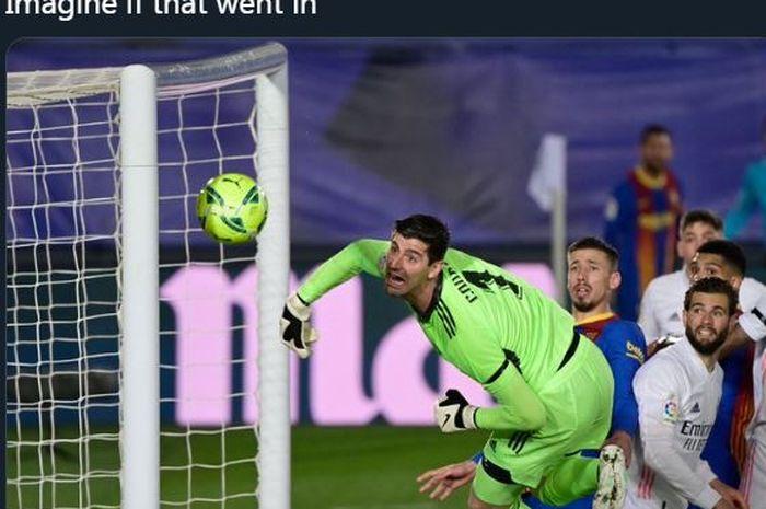 Lionel Messi nyaris cetak gol dari sepak pojok dalam laga el clasico Real Madrid vs Barcelona, 10 April 2021.