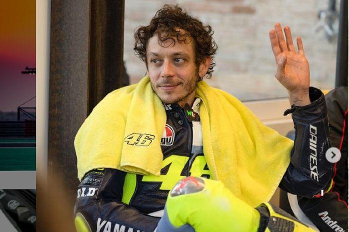 Pembalap gaek, Valentino Rossi diyakini masih bisa curi podium pertama pada MotoGP 2021.