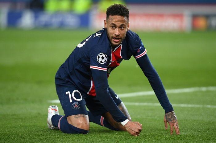 Striker PSG, Neymar, dalam laga kontra Bayern Muenchen pada Selasa (13/4/2021).