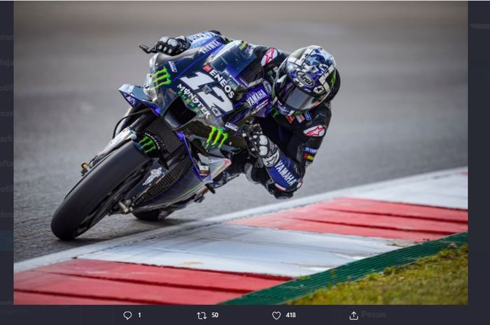Pembalap Monster Energy Yamaha, Maverick Vinales, ketika beraksi pada sesi latihan bebas MotoGP Portugal 2021, Jumat, (16/4/2021).