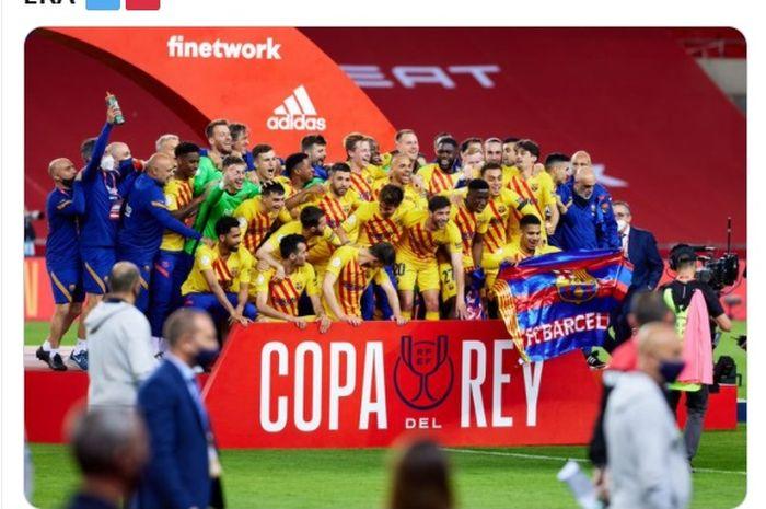 Momen pemain Barcelona merayakan keberhasilan mereka memenangkan Copa del Rey 2020-2021.