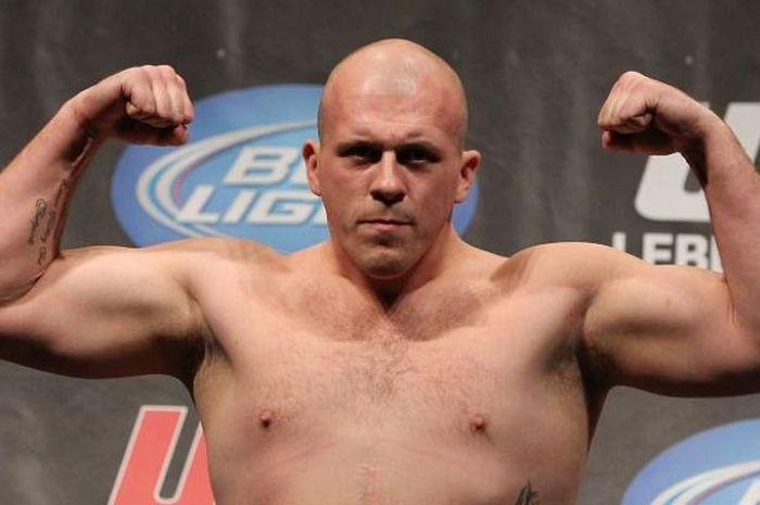 Eks petarung UFC, Rob Broughton.