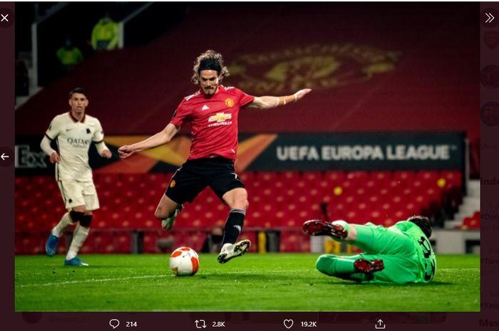 Aksi Edinson Cavani dalam laga Man United vs AS Roma, Jumat (30/4/2021) dini hari WIB.